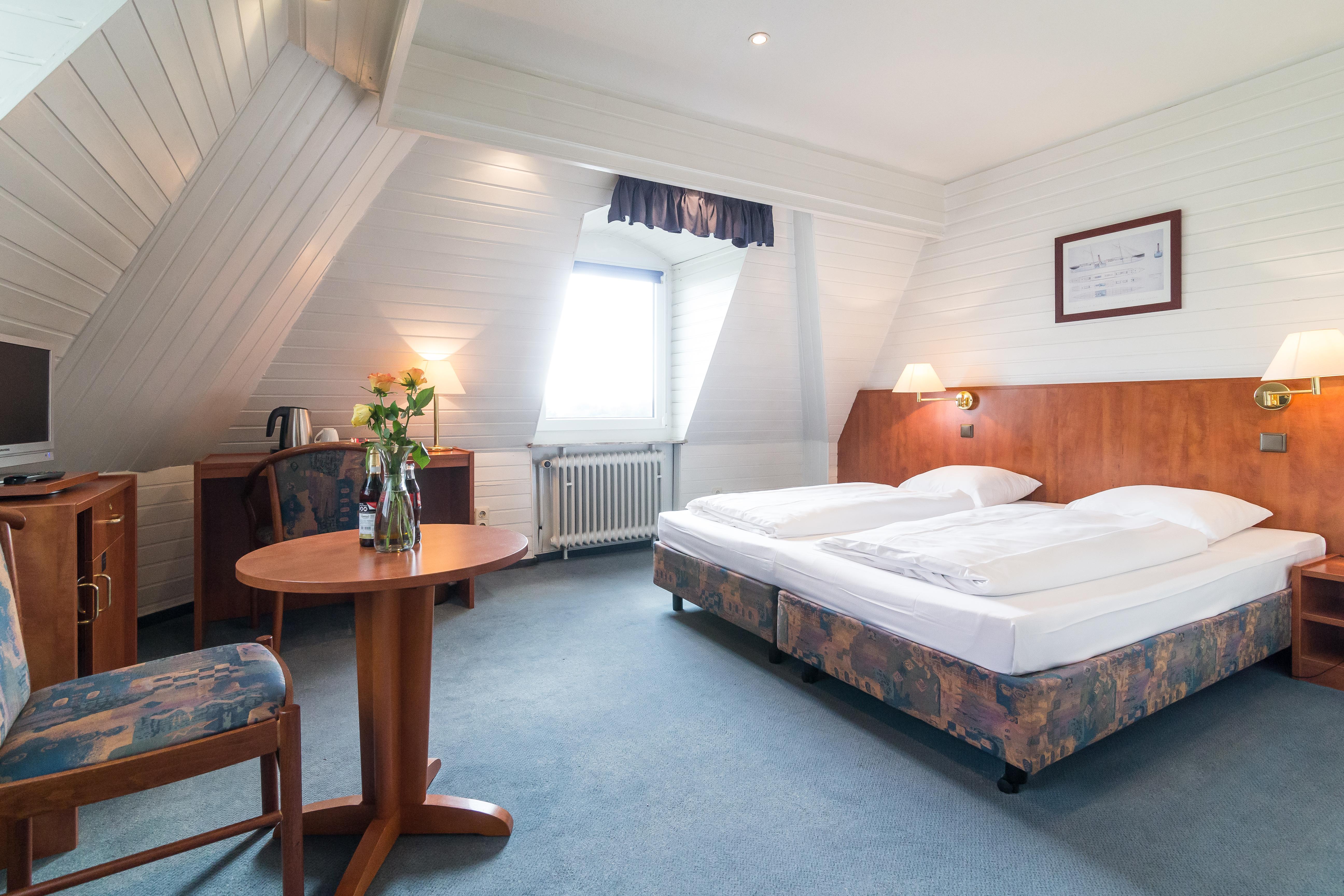 Hotelzimmer mit Mainblick zur IAA Messe 12.09.-24.09.2017
